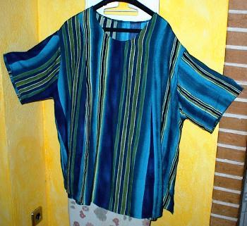 Blaugestreiftes Shirt